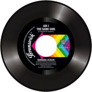 """Barbara Acklin - Am I The Same Girl / Young-Holt Unlimited - Soulful Strut 45 (Outta Sight) 7"""" Vinyl"""